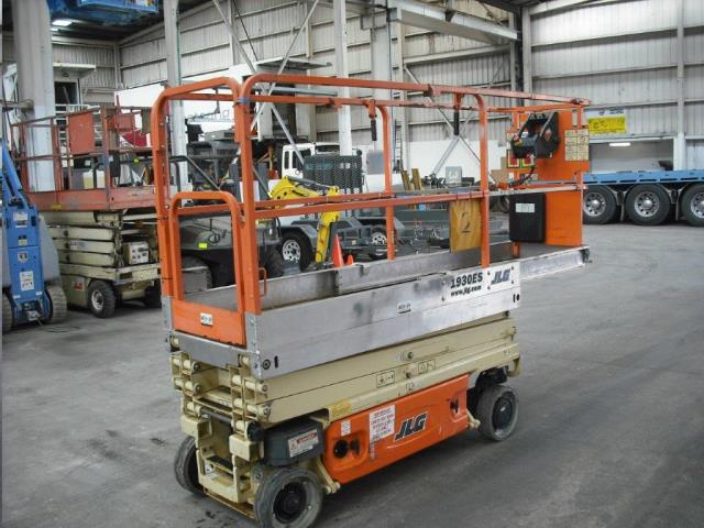 Rent Lift Scissor Eletric